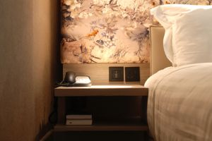 marriott-regents-park-bedroom-table.jpg