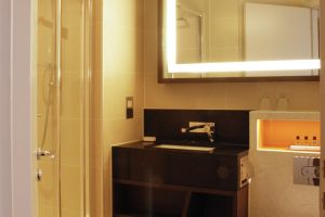 Hilton Doubletree Ealing – Bedrooms Shower.jpg